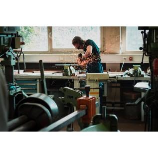 Слесарь-ремонтник (по обслуживанию и ремонту грузоподъемных кранов)