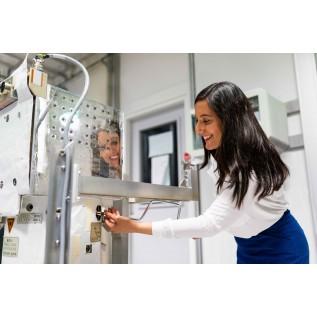 Персонал, обслуживающий сосуды, работающие под давлением (стерилизаторы)